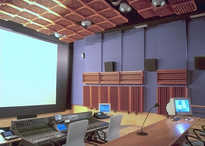 Insonorizaci n de plat s de televisi n estudios de for Estudios de interiorismo madrid