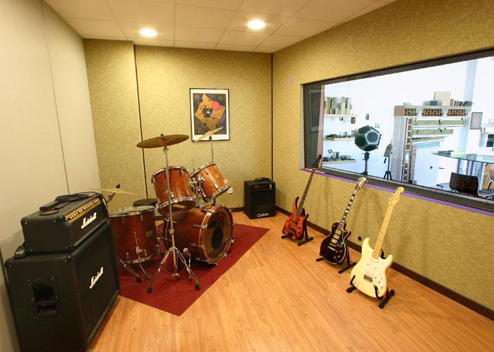 Insonorizaci n de plat s de televisi n estudios de - Como insonorizar una habitacion para musica ...